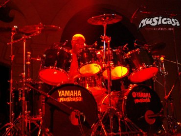 billy cobham en mallorca, drums by musicasa
