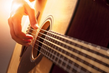 reasons-learn-to-play-classical-guitar